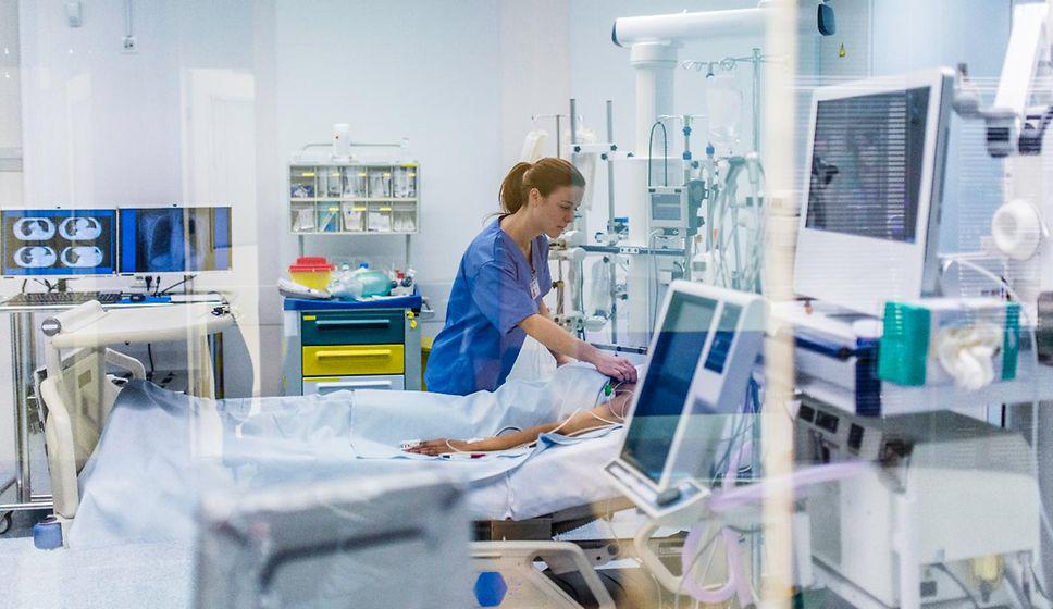 3,000 nurses dead, Covid exodus looming