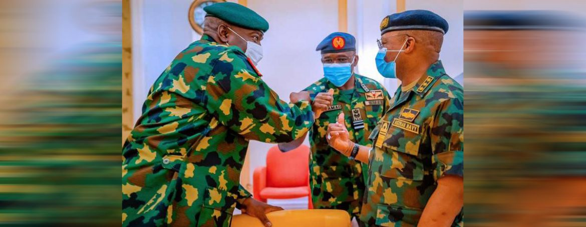 President Buhari meets security chiefs over increasing insecurity