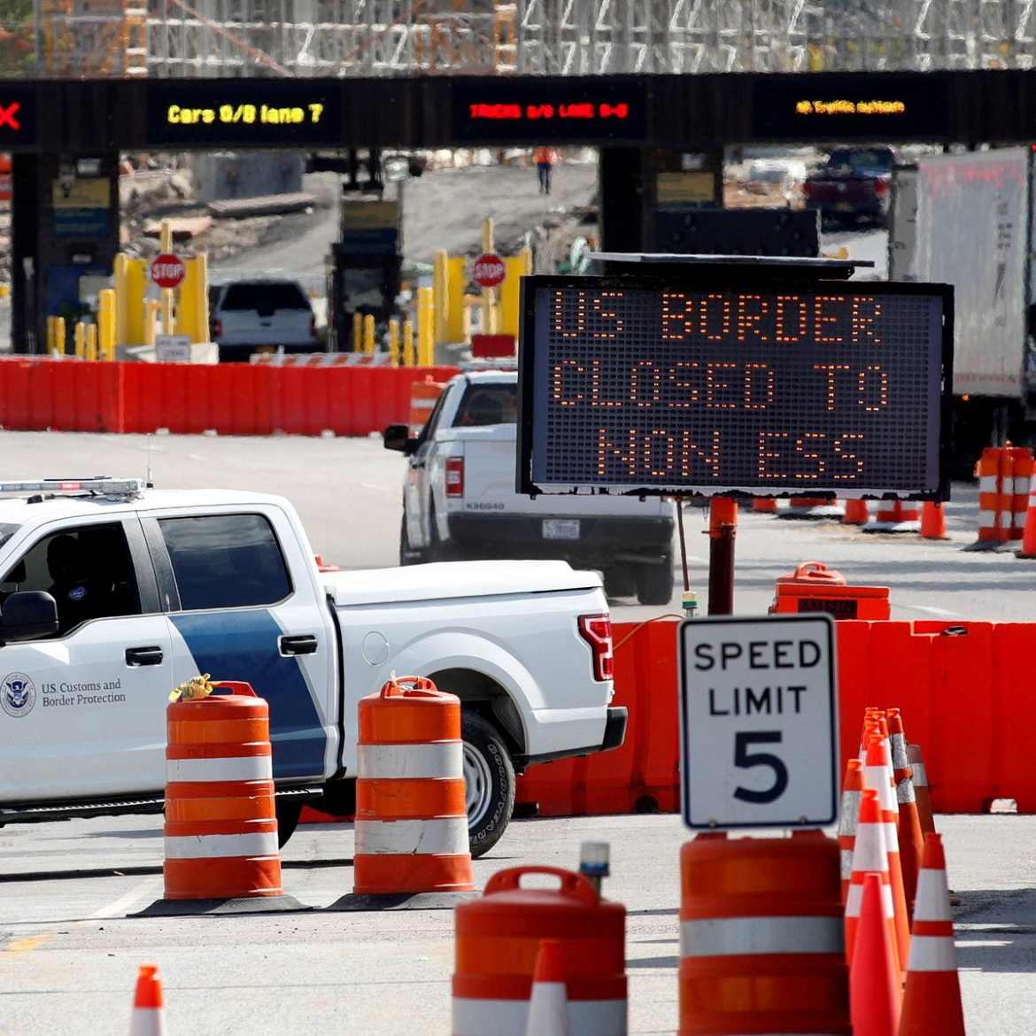 Border Reopening: Canada border guards vote to strike days ahead of U.S.